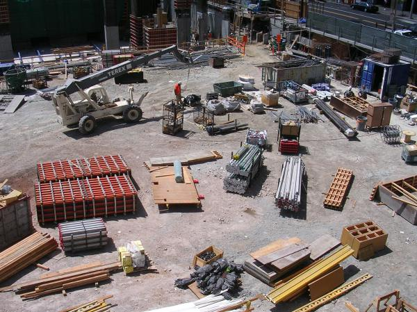 Construction_work_on_the_Millennium_Tower_(301_Mission_Street),_SF